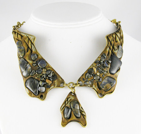 Resin Necklace Wholesale from Brazil
